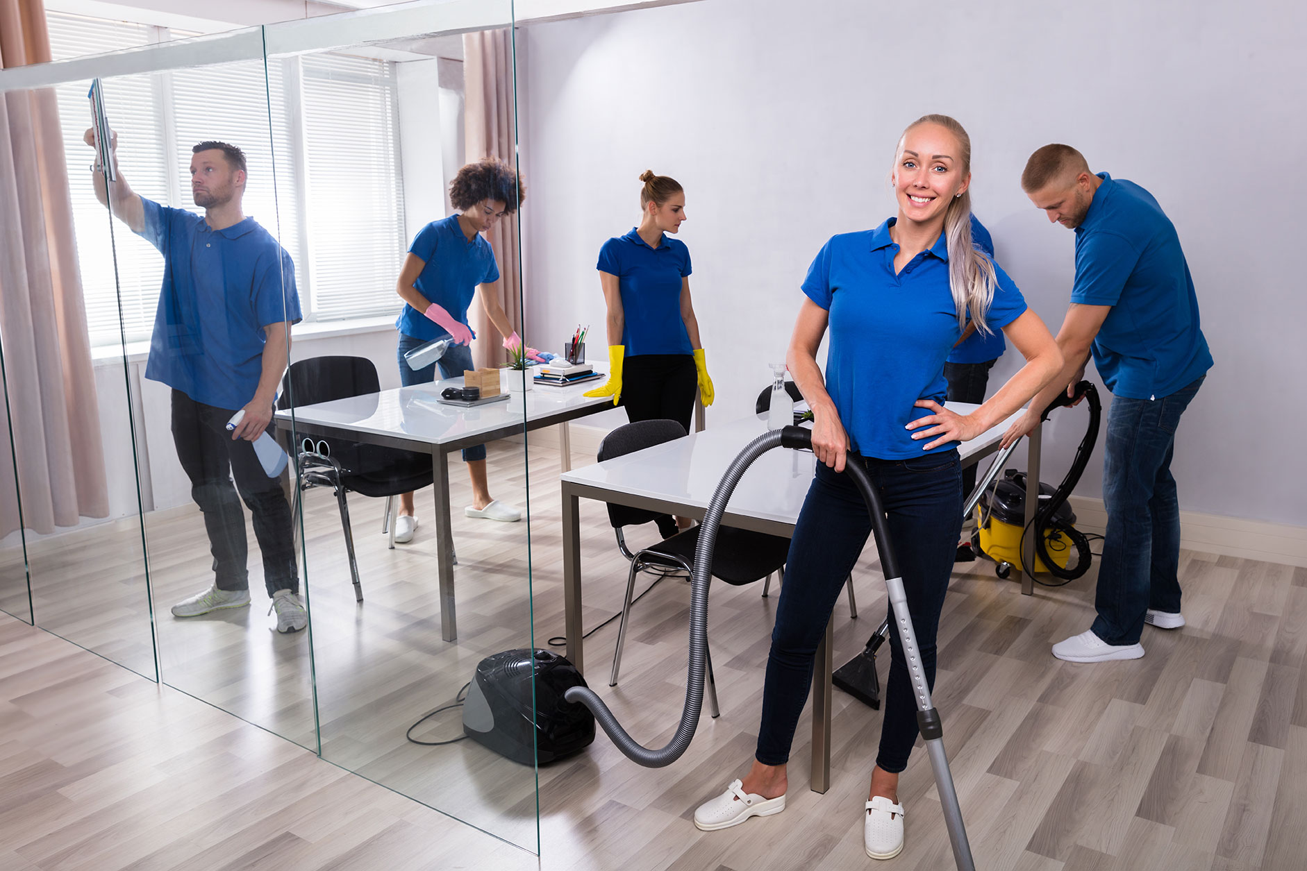 Comm_Clean_Group_Cleaning_Office